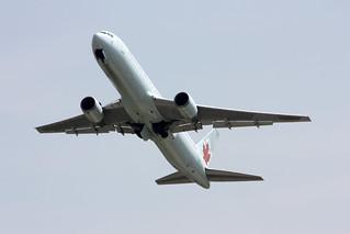 Air Canada Boeing 767-375/ER C-GHOZ