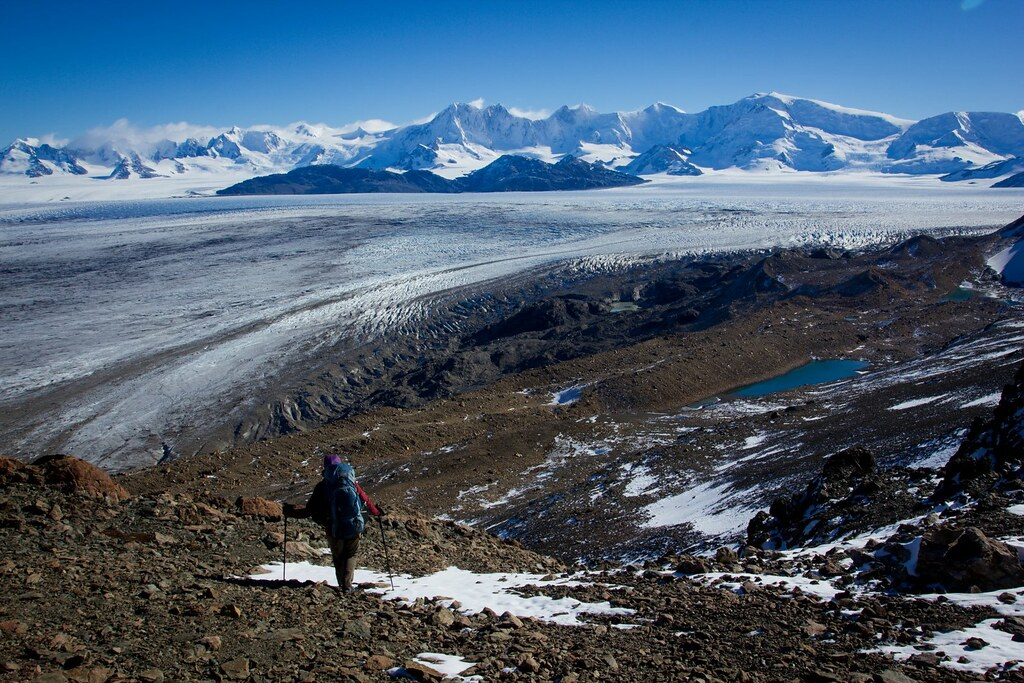 Descending the Paso del Viento towards the side moraine of Glaciar Viedma, which forms part of the Southern Patagonian Ice Cap. The Lautaro range splits the ice cap exactly in half. Bernardo o'higgins National Park. Magallanes region. Patagonia. Chile.