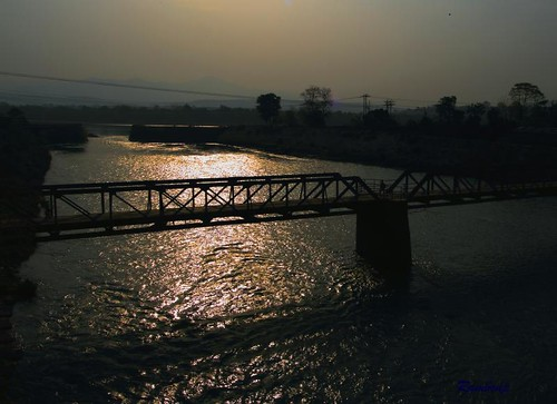 morning bridge blue red wallpaper sky sun india mountains green nature water silhouette yellow clouds sunrise canon landscape paradise raw human sunrays ganga reflectiontrees haridwar riverganga uttrakhand atthecrackofdawn उदयाचल मुँहअँधेरे