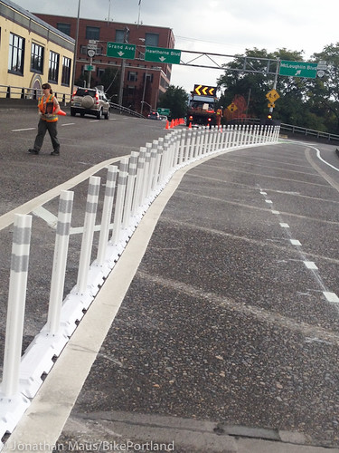 Plastic bollards on Hawthorne Bridge-2