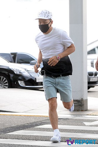BIGBANG Incheon Airport to Shanghai Press 2015-06-19 088