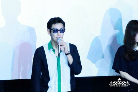 TOP-HQs-StageGreeting-Day3-20140908(1)