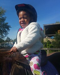 KK on the horsey...our favorite Wendell  #hangingwithmamaree #kkandmamaree #akaleirenee #horses