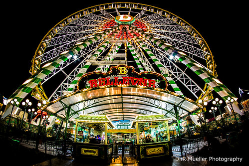 Ferris wheel like a frog by Dirk Mueller Photography