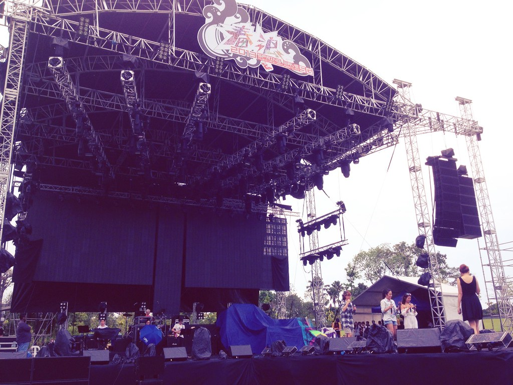 Spring Wave Stage