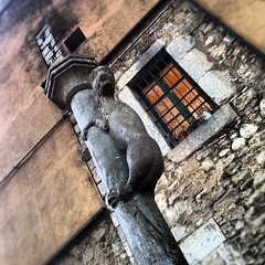 If you go to #Girona, don't... - Photo of Villeneuve-les-Sablons