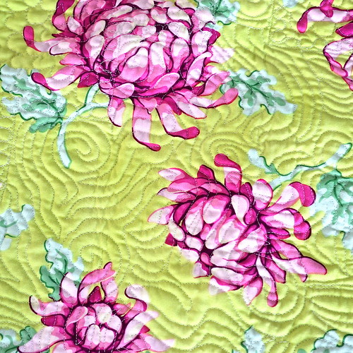 Blackberry Winter Blossom Quilt - quilting detail
