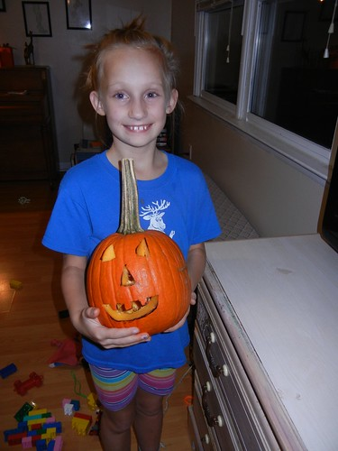 Oct 17 2014 Doller pumpkin carving (12)