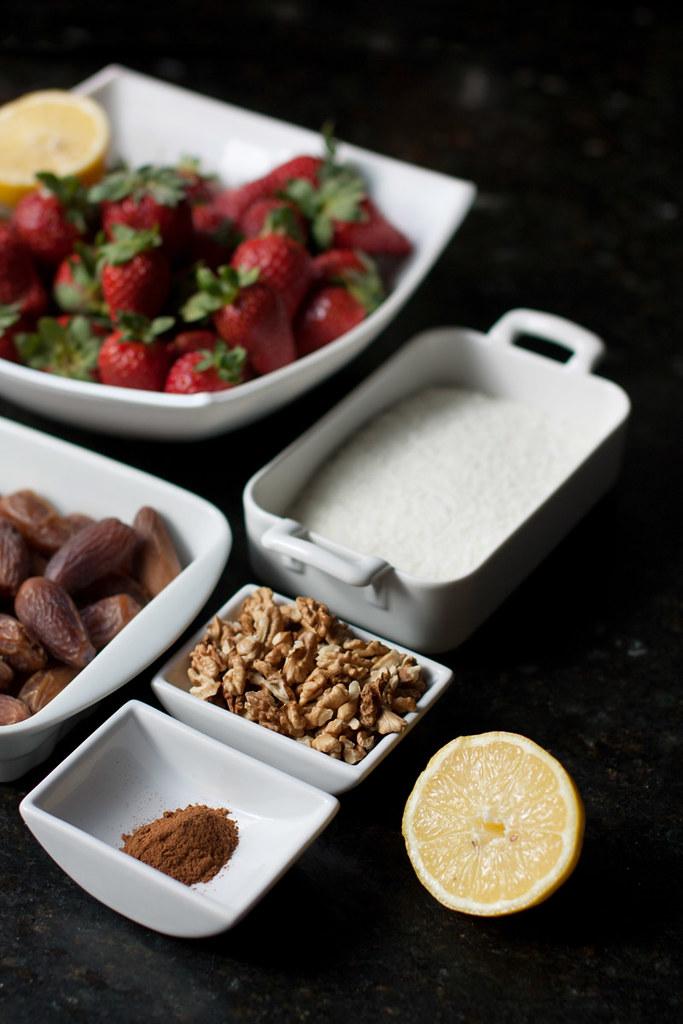 Ingredientes para la tarta crudivegana de fresas