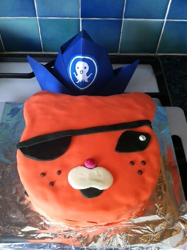 Earlier. #cake #octonauts #girlfriendmadecake #imadehat by benparkuk