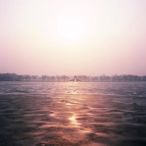 china sunset 120 6x6 film rollei rolleiflex mediumformat square beijing 66 medium 北京 summerpalace fujichrome provia e6 日落 planar 中國 100f rdp carlzeiss 28f rdpiii rolleiflexplanar28f