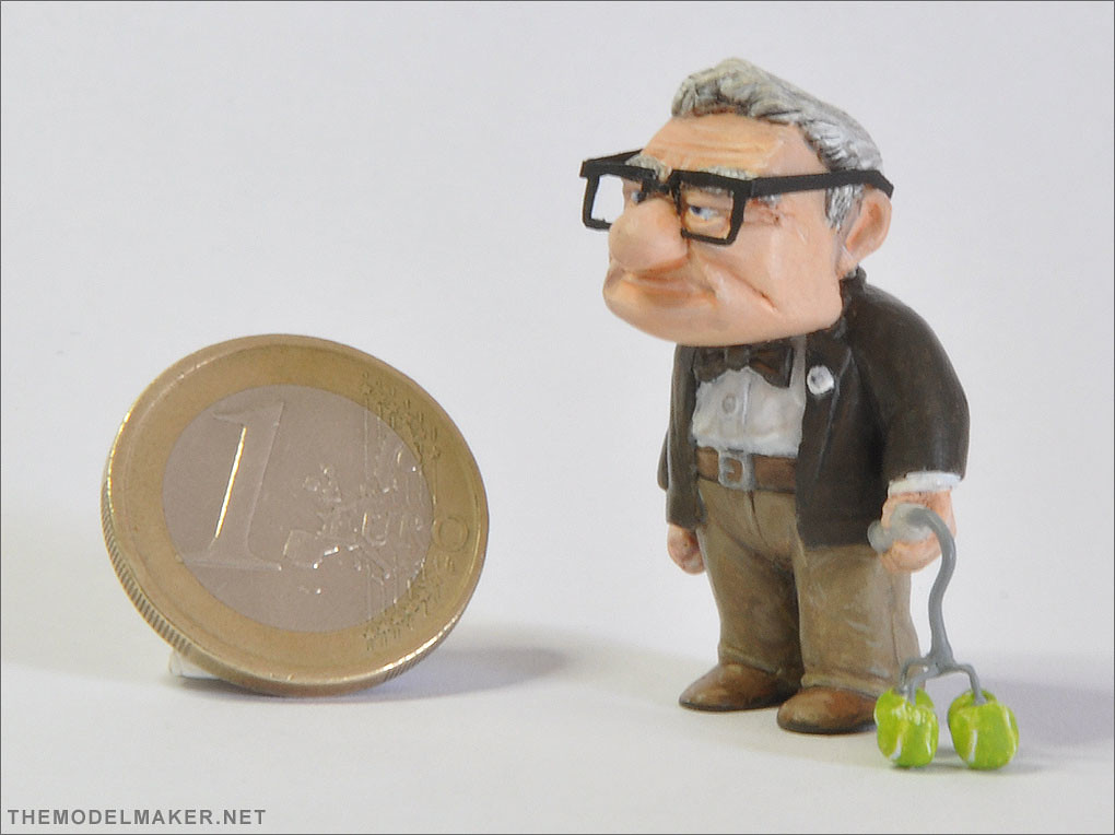Carl Fredricksen figurine 1