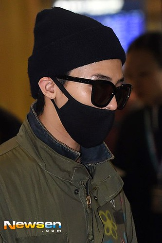 GD arriving Seoul from Fuzhou Press Pics 2015-03-29 006