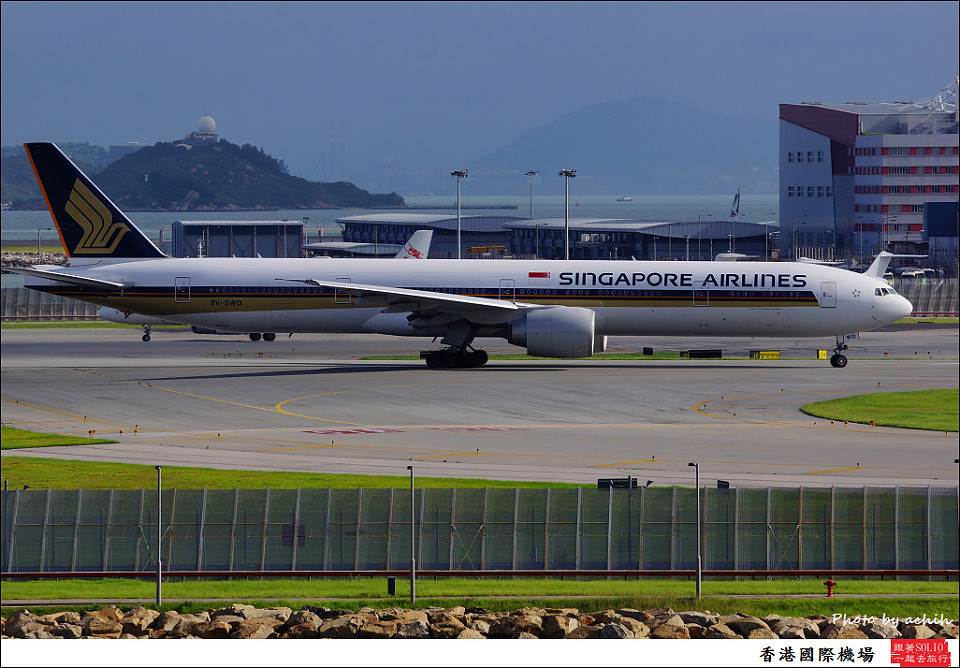 Singapore Airlines / 9V-SWD / Hong Kong International Airport