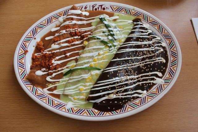 Tres tipos de enchiladas flickr photo sharing for Tipos de encielados