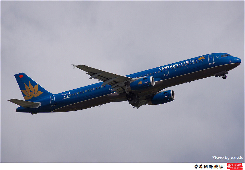 Vietnam Airlines / VN-A323 / Hong Kong International Airport