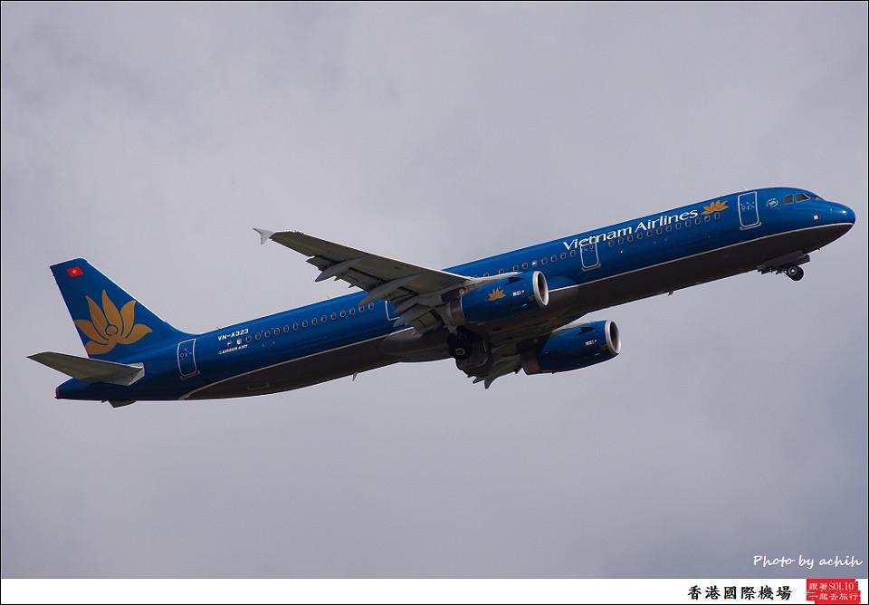 Vietnam Airlines / VN-A323 / Hong Kong International Airport