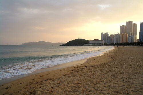 sunset sea beach water landscape evening sand busan southkorea riaz ahsan chaudhary visitkorea cloudsstormssunsetssunrises ringexcellence visitbusan