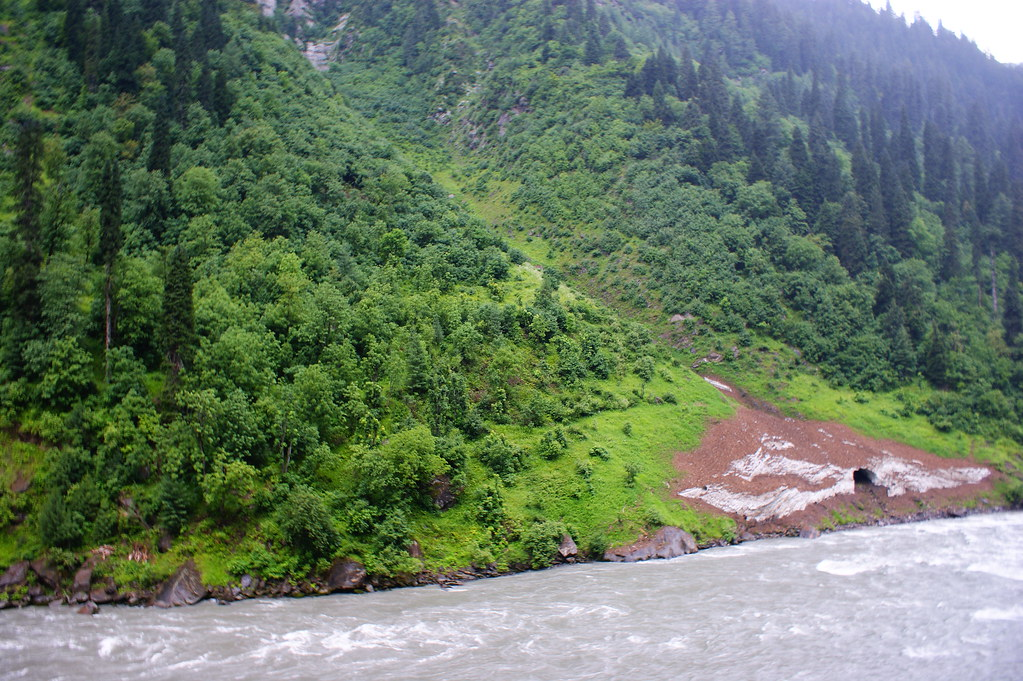 """MJC Summer 2012 Excursion to Neelum Valley with the great """"LIBRA"""" and Co - 7635697138 032ef32fcd b"""