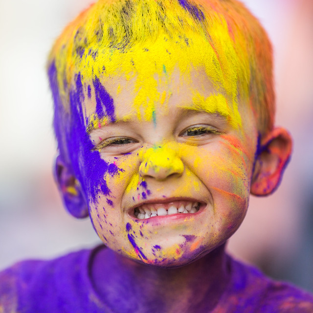 7688664666 f17477159c z 15 Amazing Images Of The Festival of Colors