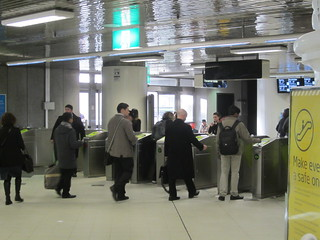 Myki fare gates, Parliament station