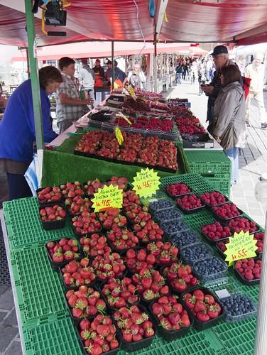 80 Frutas en el mercado del pescado