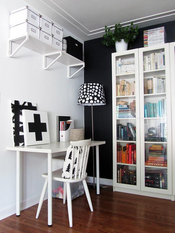blackwhitelivingroom4