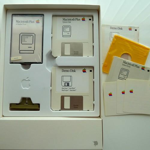 Mac Plus Accessory Kit