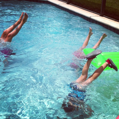 2012 Vacation Road Trip – Day 16 (Pool Drama)