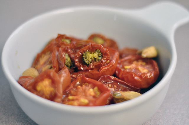 slow roasted tomatoes & garlic