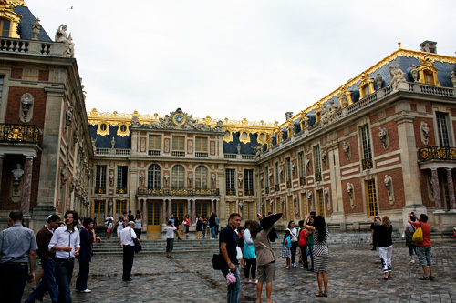 gold-encrusted-versailles