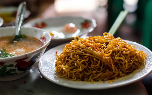 indonesia raw noodle pasar localfood jambi traditionalmarket ahsiang nikkor50mm14f nikond7000 yemaria bakmijambi