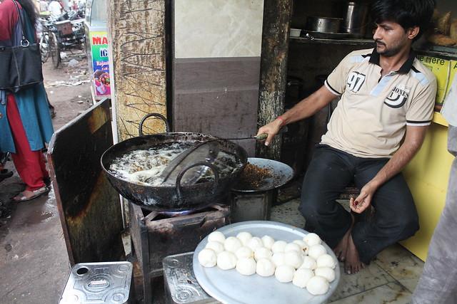 Mint Food trail  pyaaz kachori