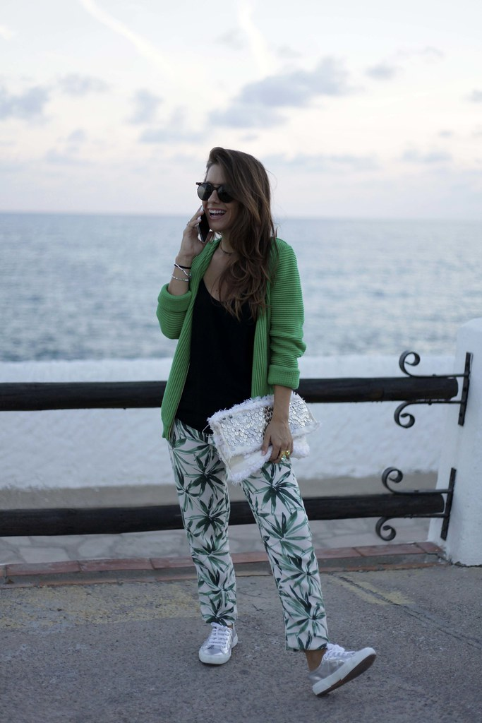 05_palms_tree_pants_mysundaymorning_blogger_theguestgirl