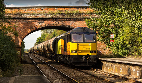Colas Railfreight Class 60 no 60096 approaches Elton & Orston Station on 23-09-2016 with the Rectory to Lindsey discharged tanks