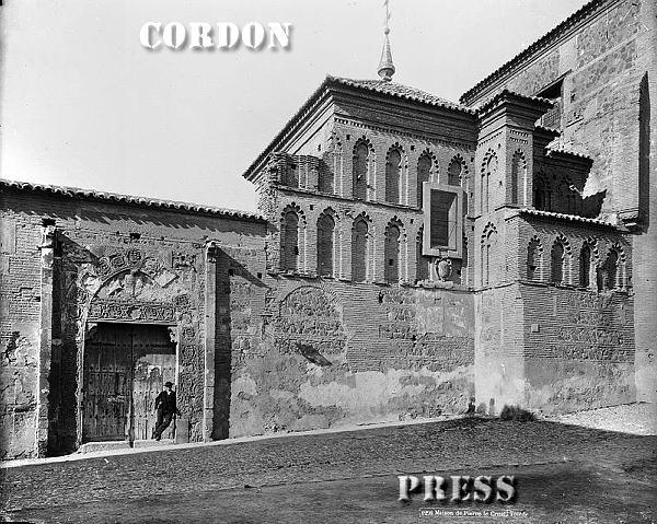 Palacio de Inés de Ayala en la Plaza de Santa Isabel de Toledo hacia 1875-80. © Léon et Lévy / Cordon Press - Roger-Viollet