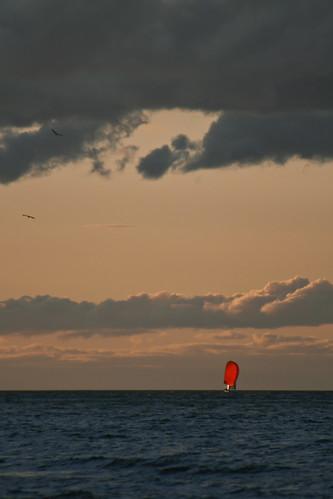 red newyork sailboat greatlakes rochester sail regatta moment lakeontario spinnaker dinahwashington redsailsinthesunset