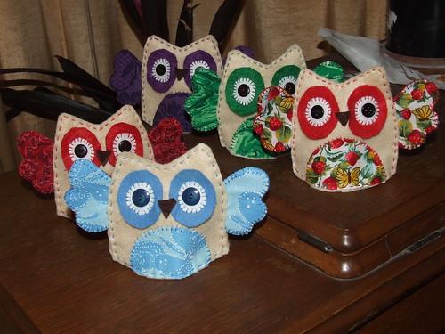 Owl egg warmers