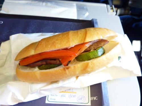 201109 HK。國泰機上餐點