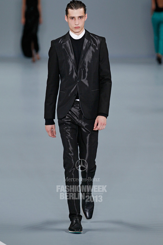 SS13 Berlin Hugo by Hugo Boss025_Adrien Sahores(Mercedes-Benz FW)
