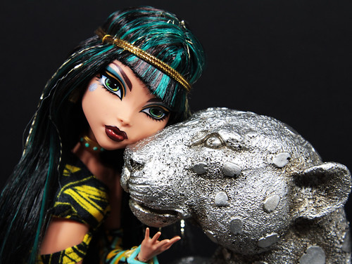 My Pet by DollsinDystopia