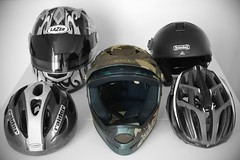 football--equipment and supplies(0.0), clothing(0.0), football helmet(0.0), helmet(1.0), personal protective equipment(1.0), motorcycle helmet(1.0), headgear(1.0),