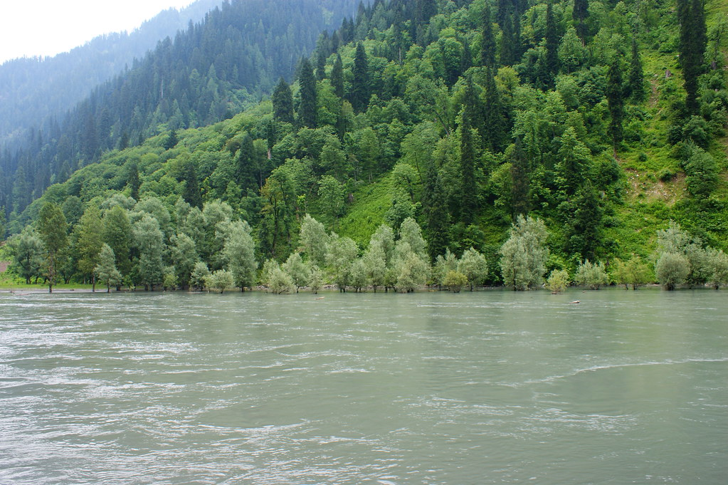 """MJC Summer 2012 Excursion to Neelum Valley with the great """"LIBRA"""" and Co - 7595308884 6111263310 b"""