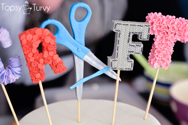craft-wars-logo-cake-details