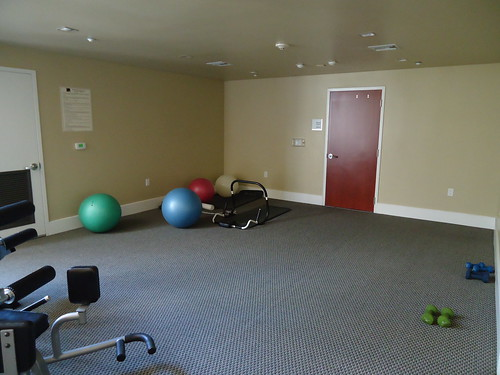Fitness Center - Stretching Area
