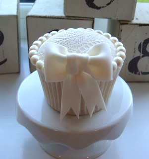Lace and Pearl Cupcake