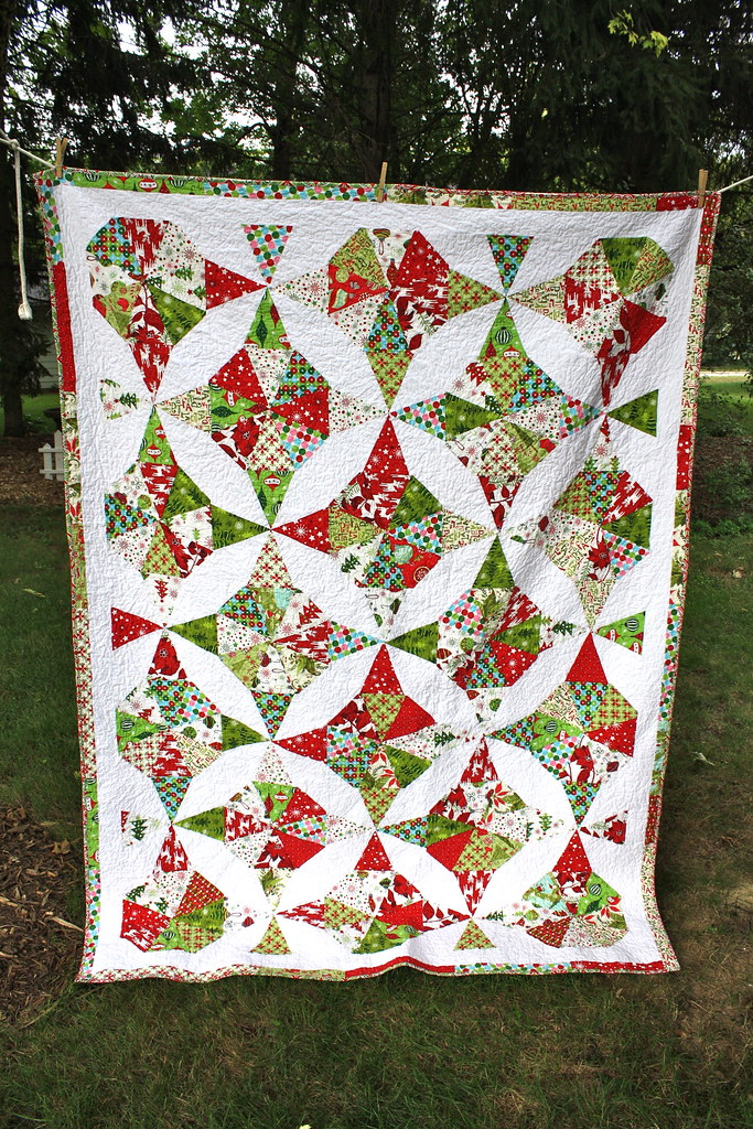 Midwest Family Life Christmas Kaleidoscope Quilt Complete
