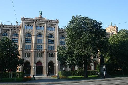 Regierungsgebäude an der Maximilianstraße