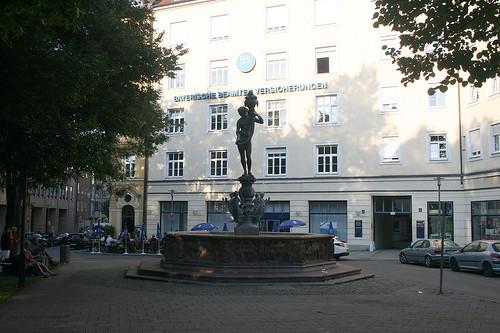 Fortunabrunnen, Isarvorplatz