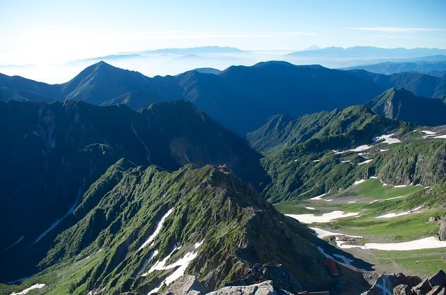 槍ヶ岳山頂から東鎌尾根方面眺望